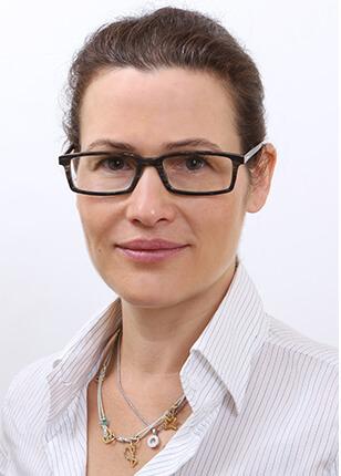"""ד""""ר דנה אגוזי - הגדלת חזה"""